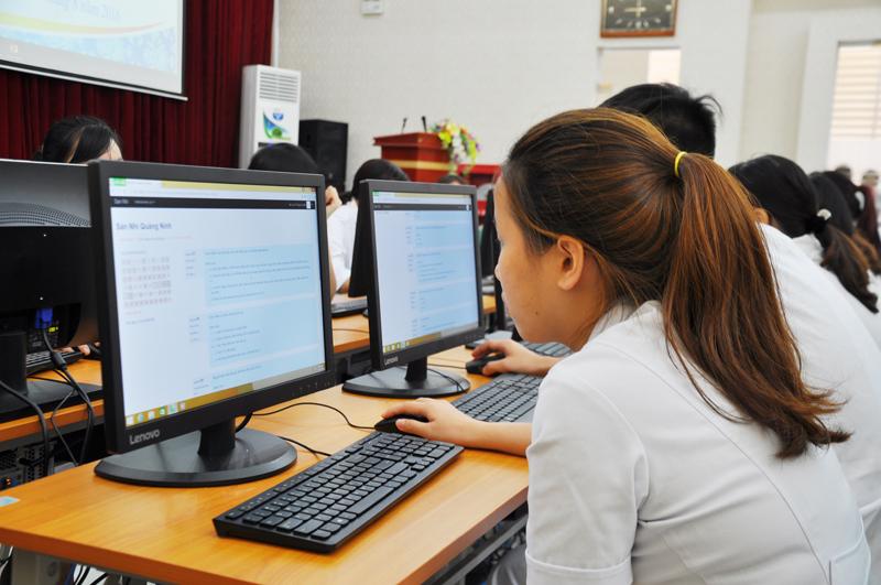 Phần mềm soạn đề thi trắc nghiệm trên máy tính đem lại cho giáo viên những lợi ích gì?