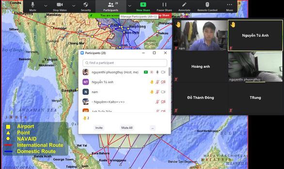 Màn hình một tiết dạy học trực tuyến môn địa lý - Ảnh chụp màn hình